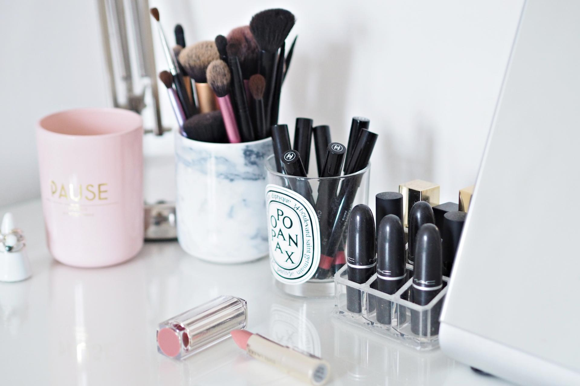 MAKE-UP COLLECTION CLEARANCE